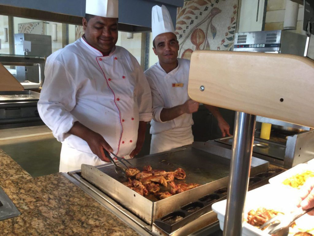 повара в ресторане Тунис